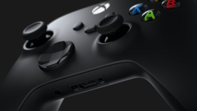 Une manette à pile pour la Xbox Series X.